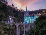 Las Lajas Sanctuary cổ kính ngưng không kém phần hiện đại.