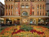 Tòa nhà Nữ hoàng Victoria được phục hồi và quay lại hoạt động